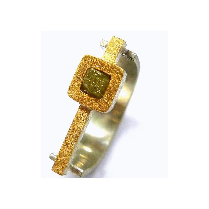 Anillo diamante en bruto oro