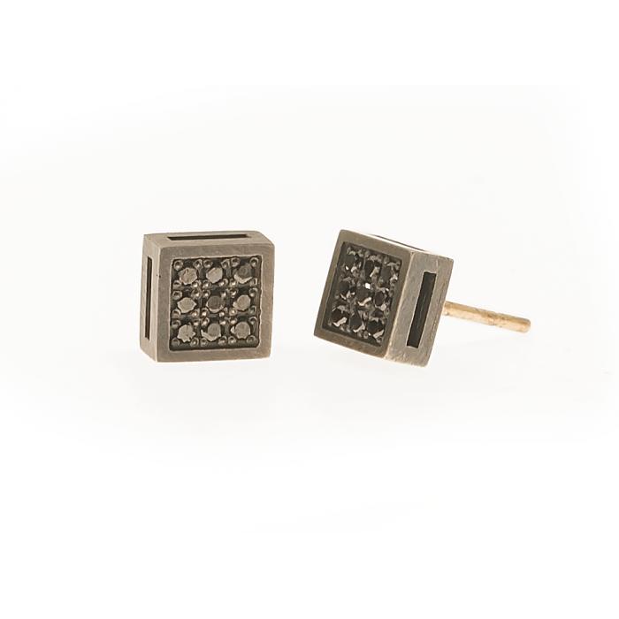 Pendiente black cube