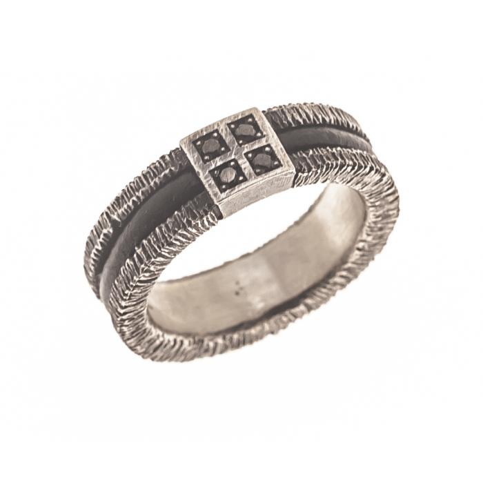 Anillo de plata, cuero y diamantes negros