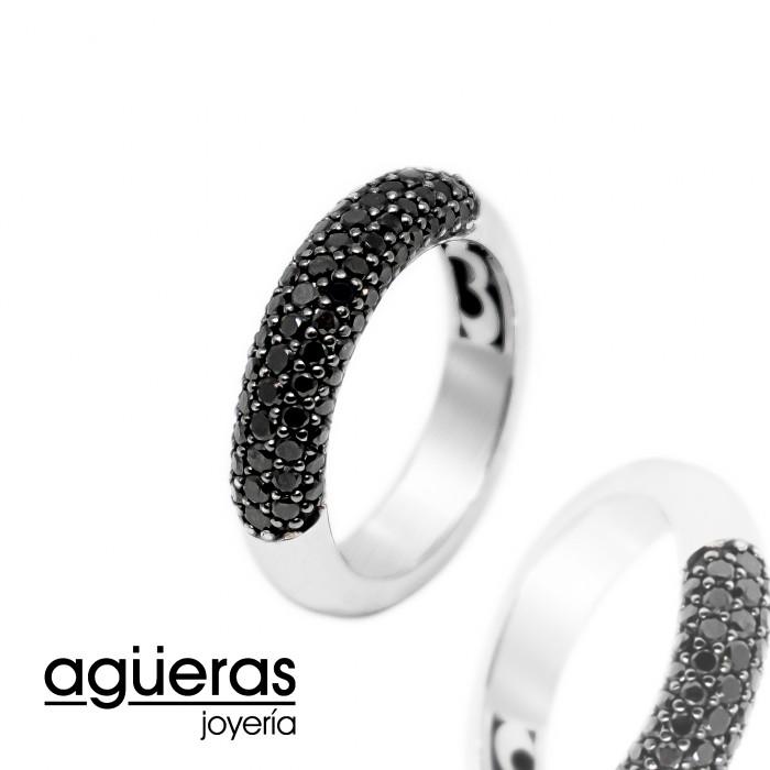 Anillo oro blanco y diamantes negros